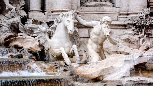 скульптуры фонтана Треви лошади боги