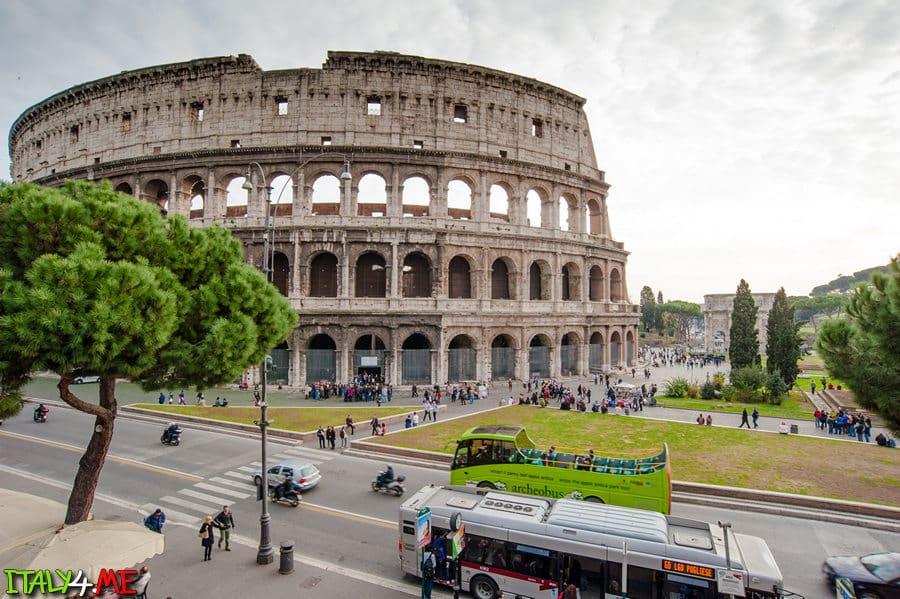 Колизей в Риме на рассвете