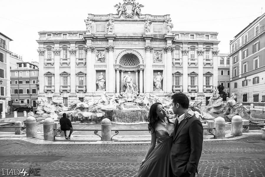 Фонтан де треви в Риме - свадебная фотосессия в Италии