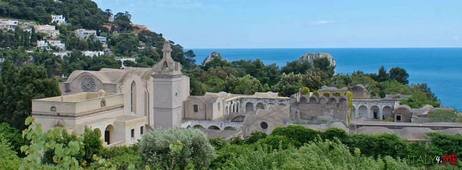 Монастырь Сан Джакомо на острове Капри в Италии