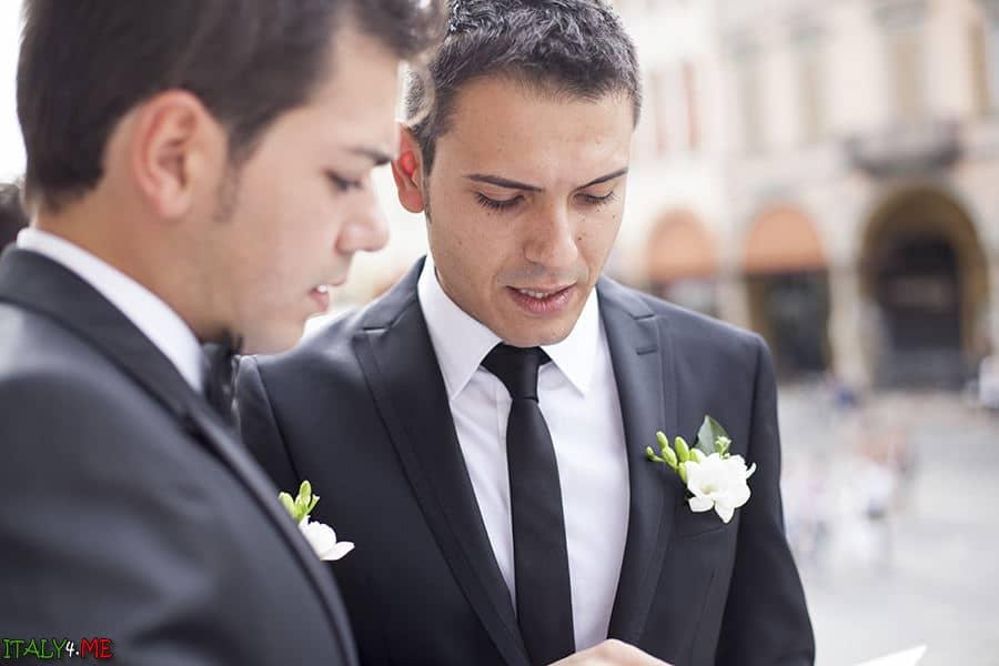 Традиционная итальянская свадьба - жених и друзья