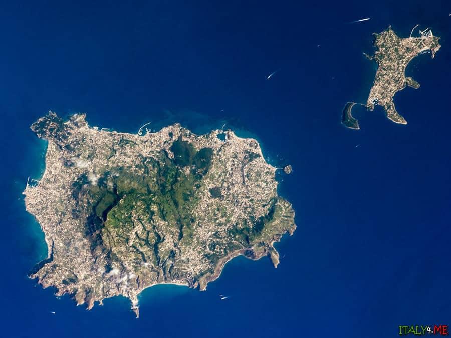 Остров Искья на карте фото из космоса