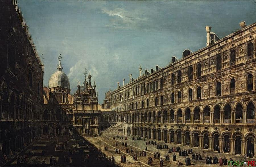 Дворец Дожей на площади Сан Марко в Венеции