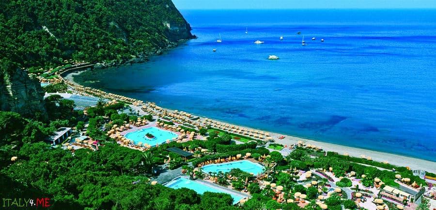 Термальный парк сады Посейдона на острове Искья в Италии
