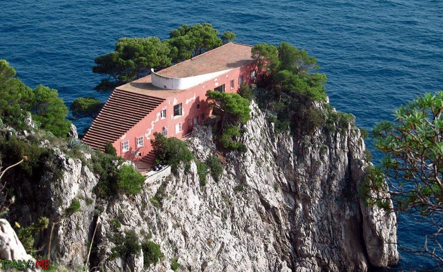 Вилла Малапарте на острове Капри в Италии
