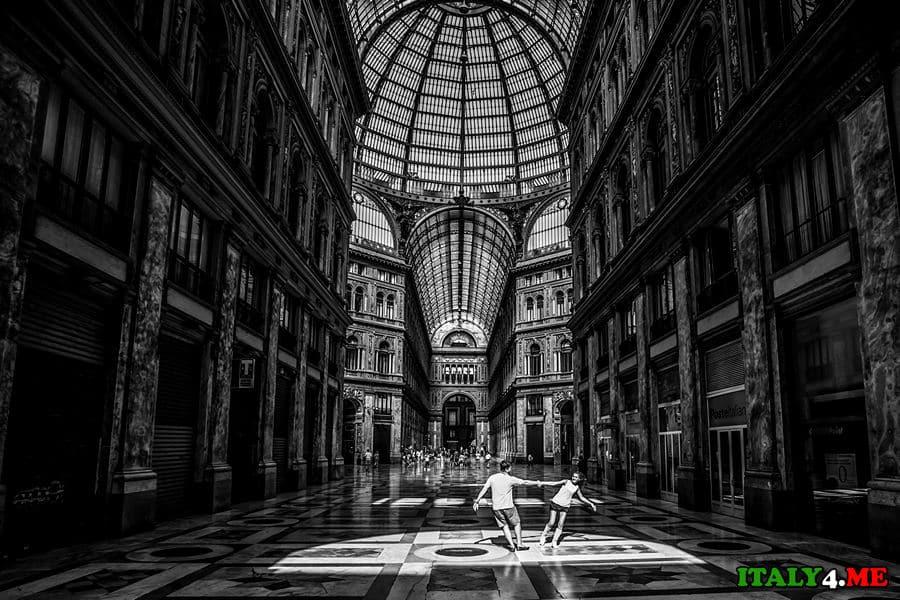 Галерея Умберто в Неаполе