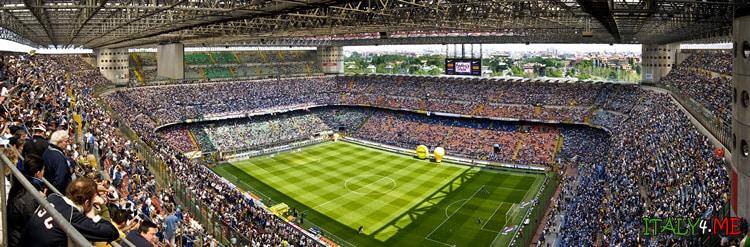 Трибуны стадиона Сан Сиро Джузеппе Меацца в Милане