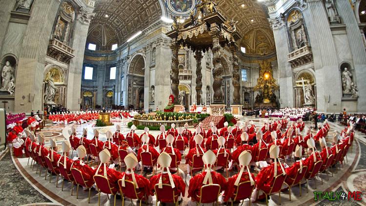Встреча папы римского с бискупами и кардиналами - выборы нового папы