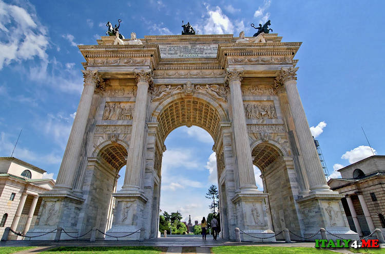 Арка мира - достопримечательность в Милане
