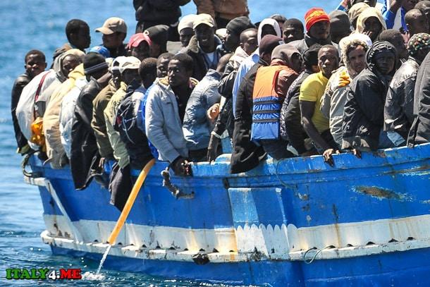 нелегальные иммигранты в Италию из Африки