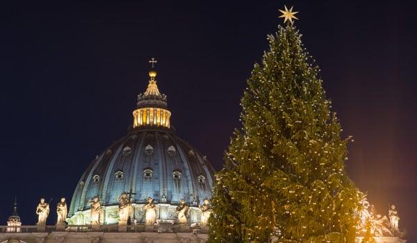 Новый год Рим елка в Ватикане