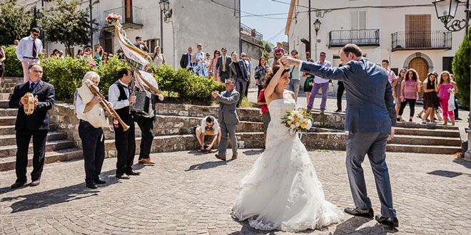 http://italy4.me/wp-content/uploads/2014/01/bride-dance.jpg