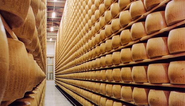 Пять лучших сортов итальянского сыра