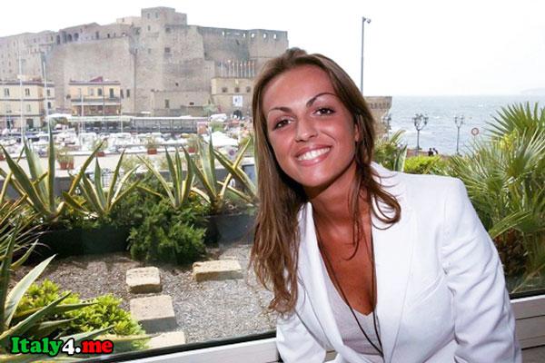 молодая Франческа Паскале в Неаполе