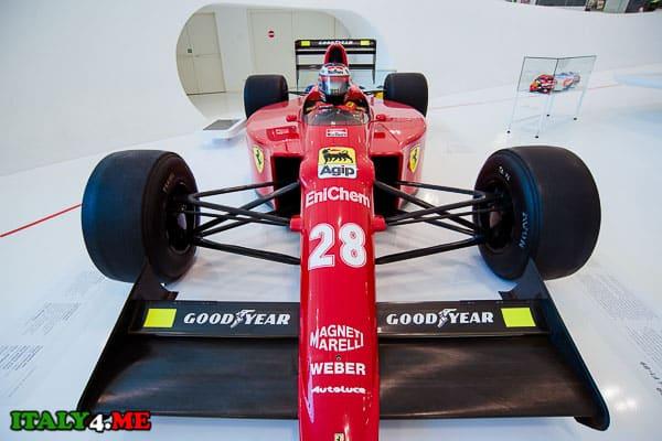 Ferrari F1-89 в музее Феррари Модена