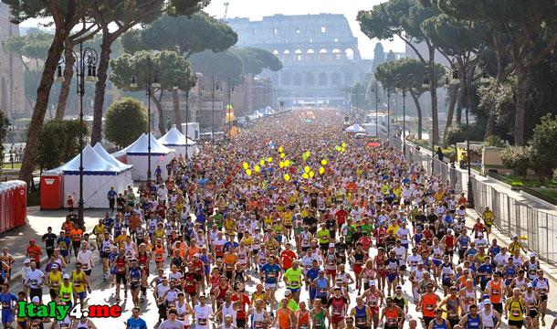 марафон в Риме бегуны у Колизея