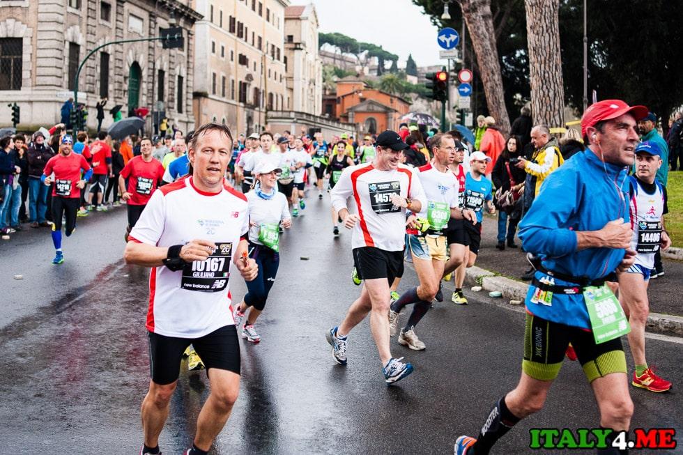 участники римского марафона 2014