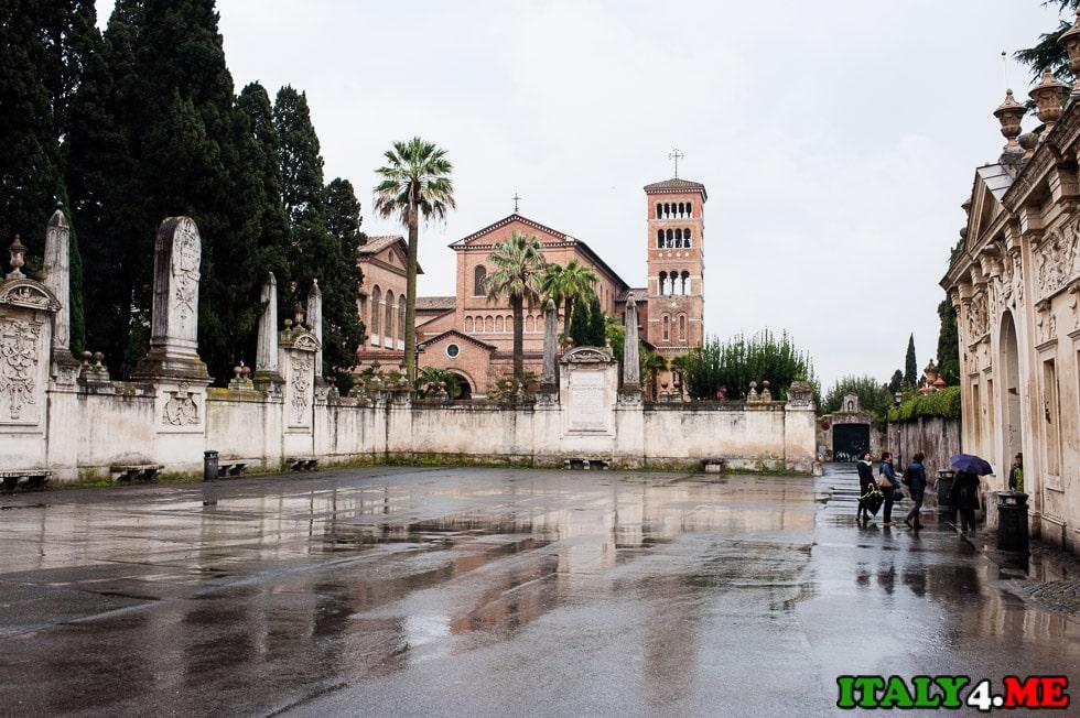 площадь мальтийских рыцарей в Риме