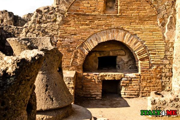 город Помпеи руины