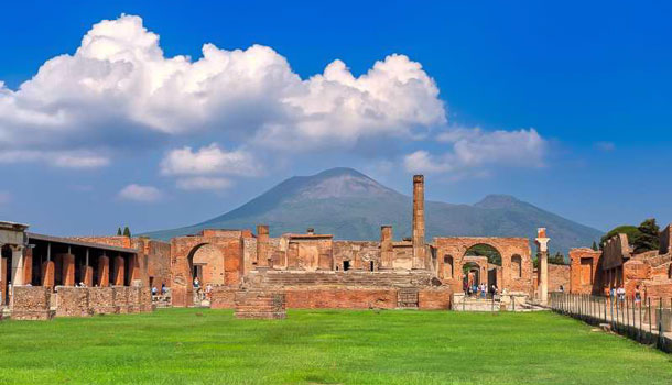 Древние Помпеи в Италии