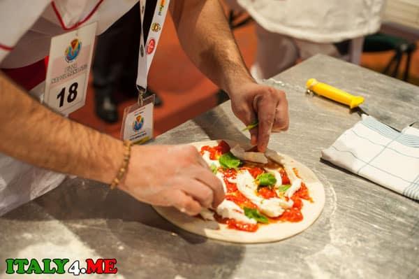 процесс приготовления пиццы