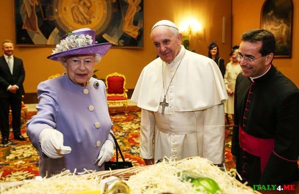 Королева Елизавета и папа римский в Ватикане