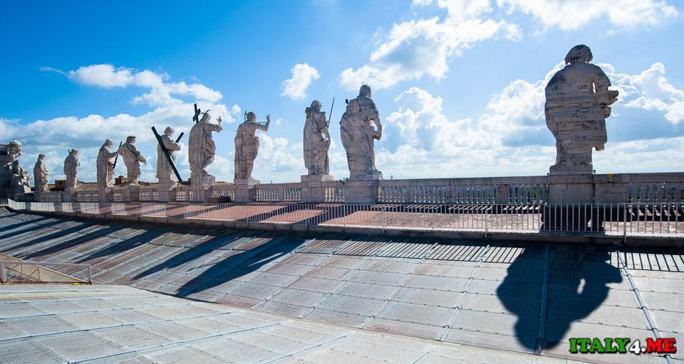 На крыше собора святого Петра