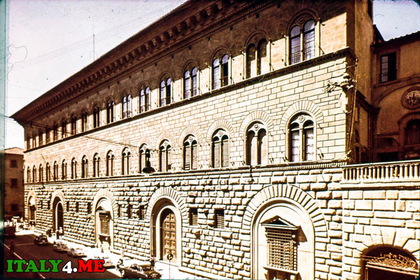 Palazzo_Medici_Riccardi_2
