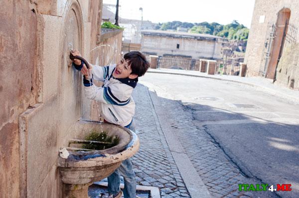 питьевой фонтанчик в Риме