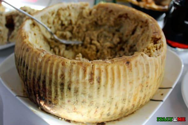 Casu Marzu сыр с личинками