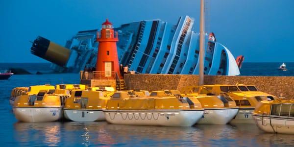 Отбуксировка Costa Concordia