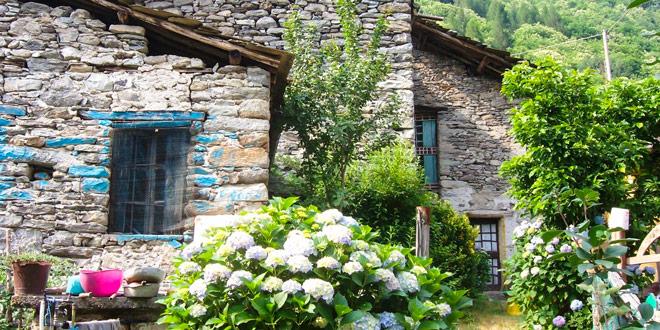 деревня-в-Италии-альпы-Calsazio-2