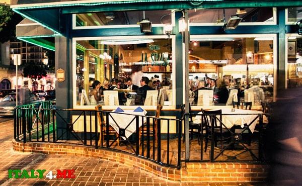 столики-в-итальянском-ресторане