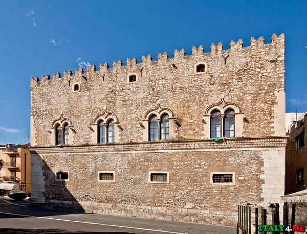 Дворец Корваджо