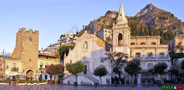 Часовая башня и церковь Святого Джузеппе