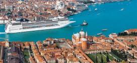 круизный-корабль-в-Венеции