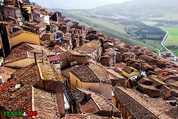 недорогая-недвижимость-на-Сицилии-за-1-евро-2