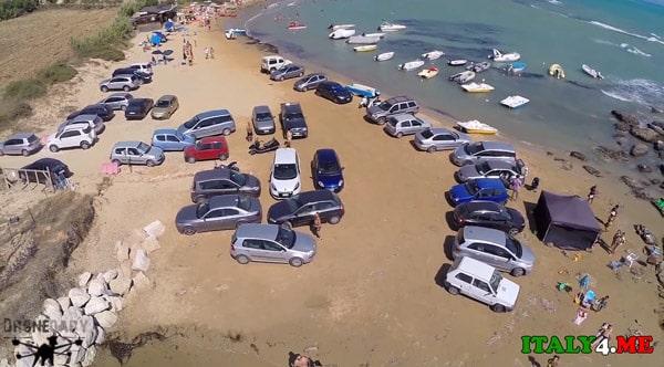 парковка-пляж-Сицилия-1