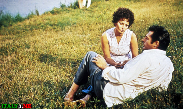 Подсолнухи кадр из фильма Софи Лорен и Марчелло Мастроянни