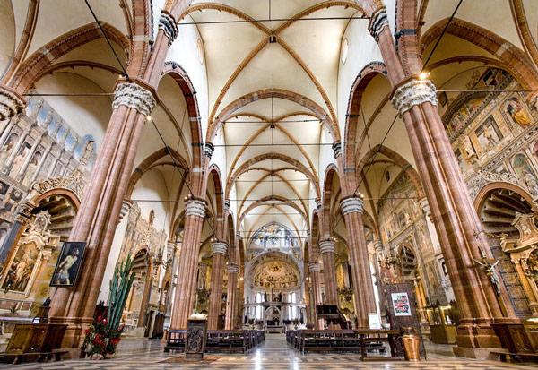 Cattedrale-di-Santa-Maria-Matricolare-5