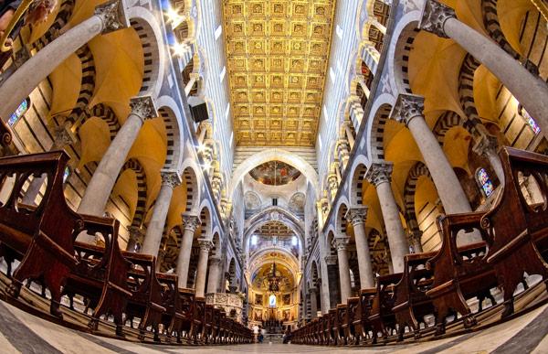 внутри пизанского собора