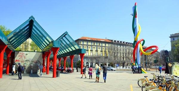 Станция Кадорна в Милане