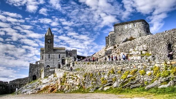Церковь святого Петра достопримечательность Портовенере