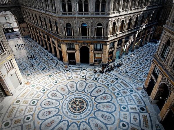 Мозаичный пол галереи Умберто