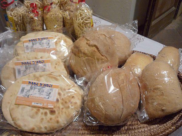 Кухня Сардинии - Спагетти и хлеб