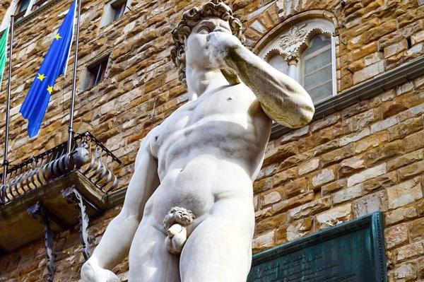 Копия статуя Давид Микеланджело на площади Синьории во Флоренции