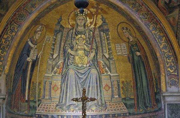 Мозаика Мадонна с младенцем на троне, со св. Януарием и св. Реститутой
