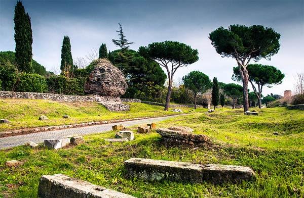 Аппиева дорога в Риме