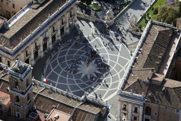 Капитолийская площадь в Риме - вид сверху