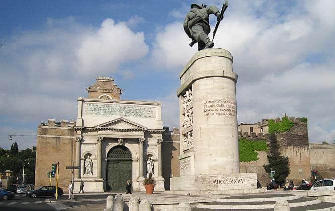 Стена Аврелиана в Риме - Порта Пиа
